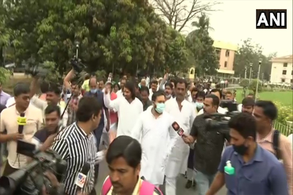 Protest march by RJD MLAs demanding the resignation of Minister Ram Sundar Rai, see photos - Patna News in Hindi