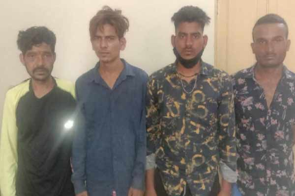 Robbery thug gang exposed from passers-by in Jaipur, 4 crooks arrested - Jaipur News in Hindi