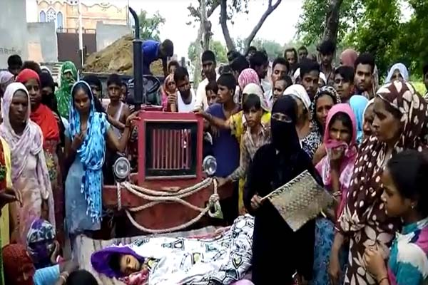 After the death of the children the villagers did the ruckus at modi nagar in ghaziabad - Ghaziabad News in Hindi