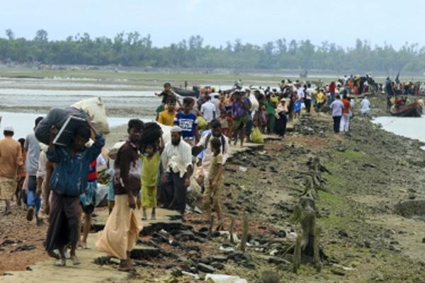 40 Rohingya villages burnt in Myanmar: Report - World News in Hindi