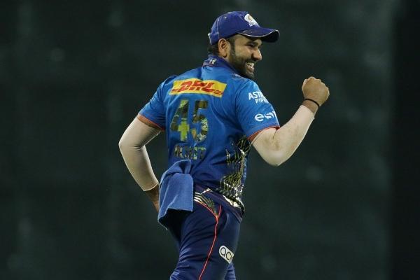 KKR batsmen waste Russell 5-wicket haul, gift win to MI - Cricket News in Hindi