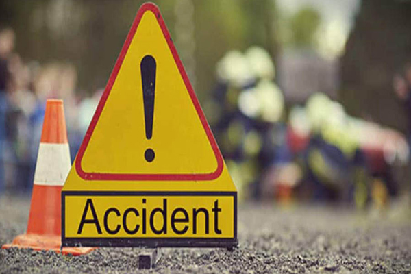 Two people killed, 9 injured in road accident in Jammu and Kashmir - Srinagar News in Hindi