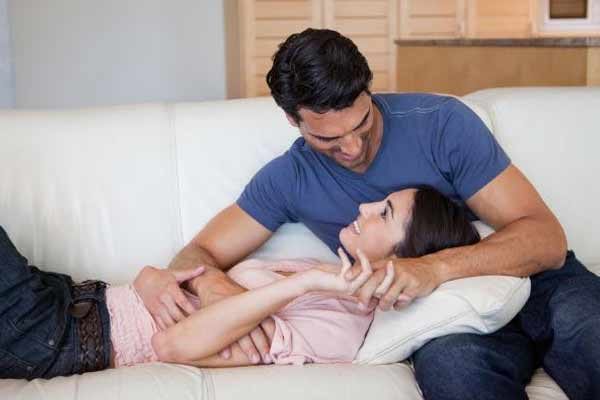 To strengthen the bond of love, husband and wife should follow these tips - Health Tips in Hindi