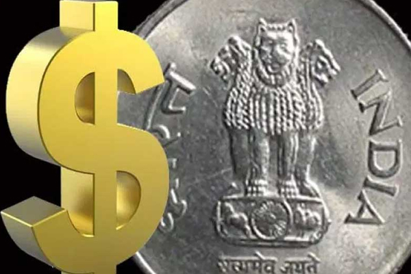 Rupee Sinks To New Low Of 70.52, Slumps 42 Paise Against US Dollar - Delhi News in Hindi