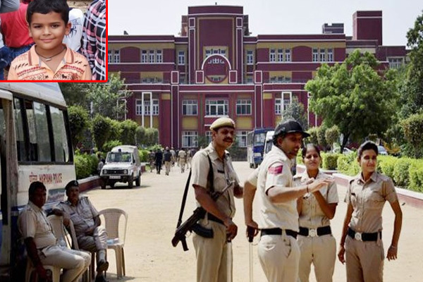 Ryan Student Murder: CCTV Caught Dying 7Year Old Crawl Out Of Gurgaon School Toilet says Police - Gurugram News in Hindi