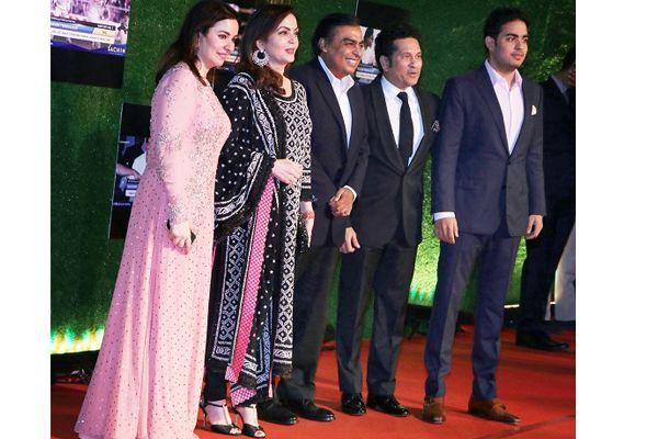 ambani bachchan and khan spotted at sachin a billion dreams mega premiere event - Bollywood News in Hindi