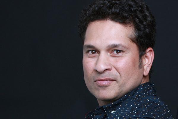Yuvraj regrets giving Tendulkar juggling challenge - Cricket News in Hindi