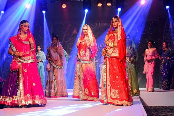 शादियां में दिखी राजस्थानी कल्चर, फैशन और धरोहर की छठा, देखें तस्वीरें