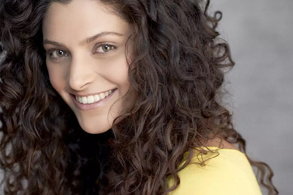 Saiyami Kher : Keep politics, religion aside during darkest times - Bollywood News in Hindi