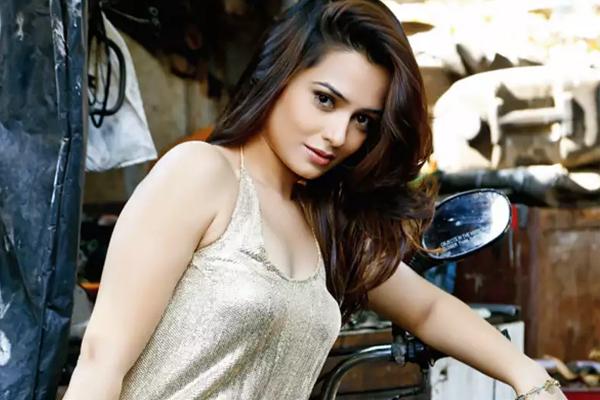 Samikssha Batnagar: Social media followers decide if you did be part of a project - Bollywood News in Hindi