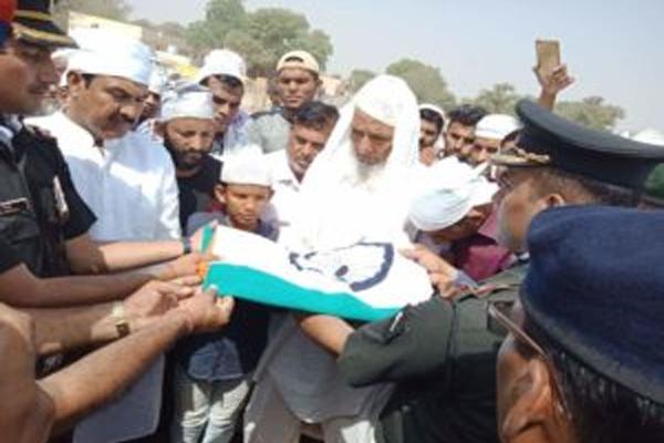 डीडवाना के शहीद कोे दी सैनिक सम्मान से अंतिम विदाई, पूरा गांव उमड़ा