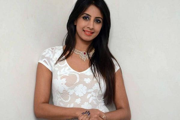 Police raid Kannada actress Sanjana Galrani home in drug case - Bengaluru News in Hindi