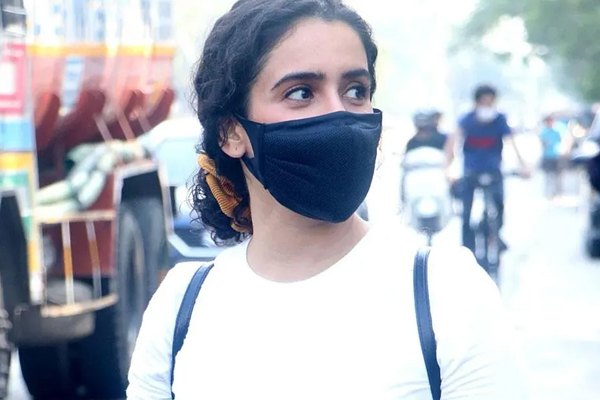 Sanya Malhotra-starrer Pagglait set for OTT release on March 26 - Bollywood News in Hindi