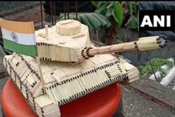 Saswat Ranjan Sahoo of Odisha built Indian Army tank with matchsticks - Puri News in Hindi