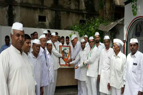 Rajiv Gandhi jis sacrifice day celebrated at Congress office - Gurugram News in Hindi