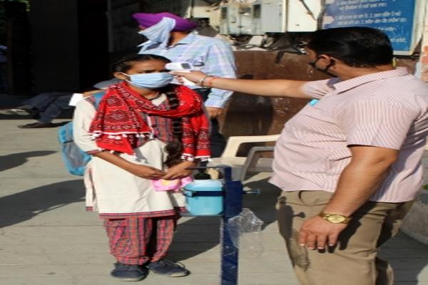 बिहार में बक्सर जवाहर नवोदय विद्यालय के 27 छात्र कोरोना संक्रमित