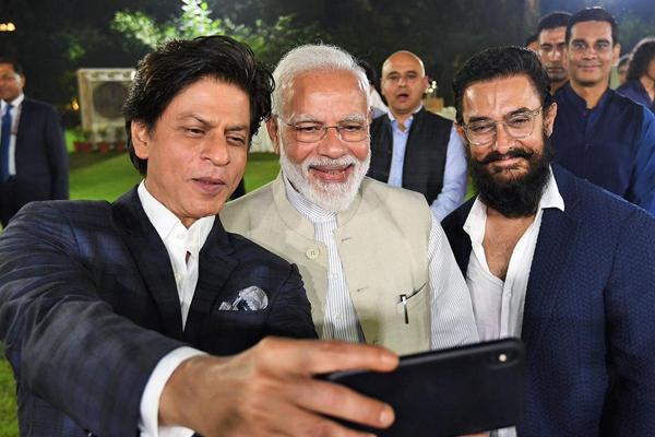 shahrukh khan, amir and kangna ranaut in interaction with pm narendra modi - India News in Hindi