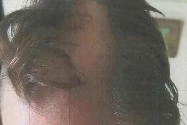 Barber snips customer ear, gives him terrible haircut - Weird Stories in Hindi