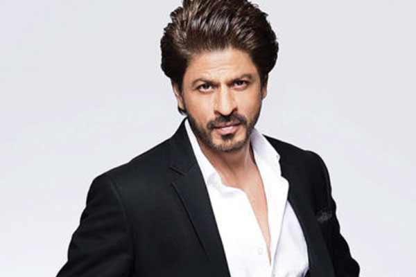 Shahrukh Khan seen in Yash Raj Studio, speculation of new project - Bollywood News in Hindi
