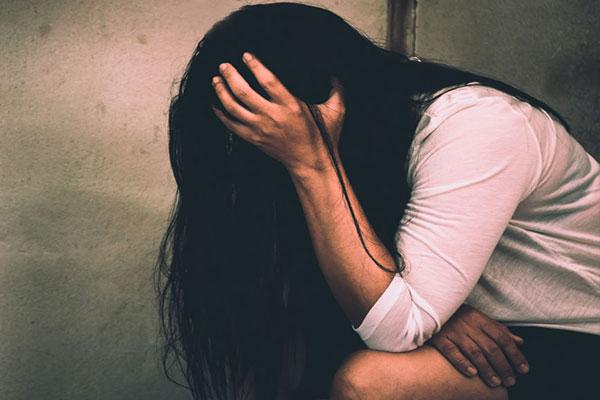 शादीशुदा भतीजी से थे संबंध, इस बात से नाराज शख्स ने चाकू गोद कर की हत्या