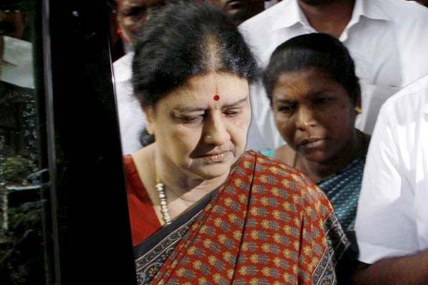 AIADMK suspects Sasikala decision to quit politics - Chennai News in Hindi
