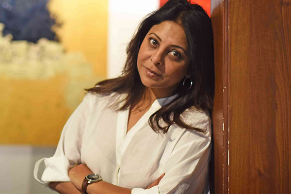 Shefali Shah: Ready to play alien, Juliet, or sofa as long as it challenges me - Bollywood News in Hindi