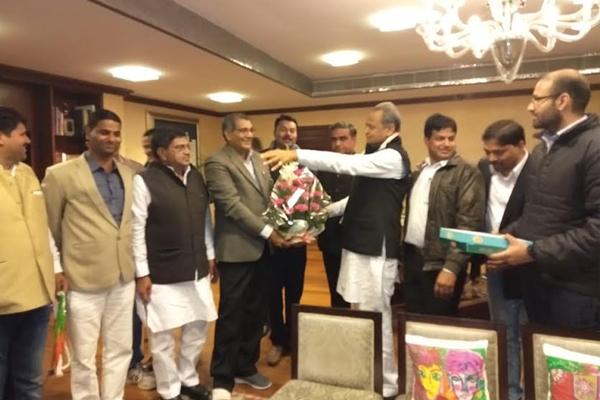 Mayor Vishnu Lata met to CM Ashok Gehlot - Jaipur News in Hindi