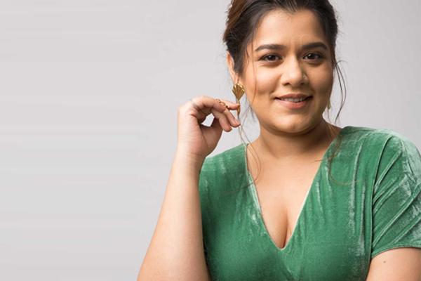 Shikha Talsania marks Marathi debut with Shantit Kranti - Bollywood News in Hindi