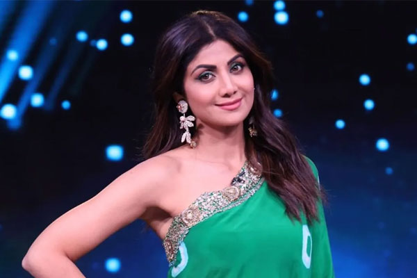 Shilpa Shetty family tests positive for covid, actress tests negative - Television News in Hindi