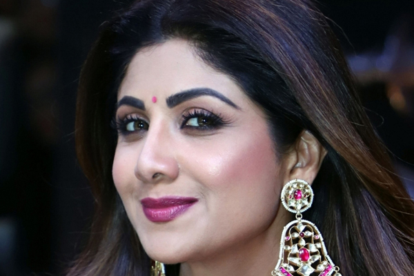 Shilpa Shetty says her husband canot sing - Television News in Hindi