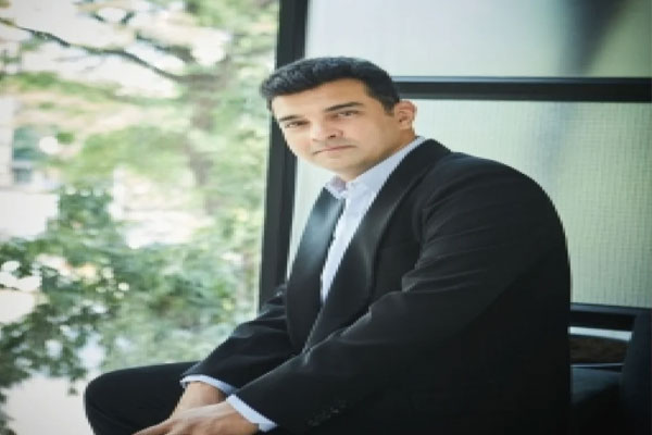 Siddharth Roy Kapur: Canot tell what is the right time to become producer - Bollywood News in Hindi