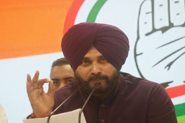 Sidhu told CM, stop attacking from the shoulders of friends - Punjab-Chandigarh News in Hindi