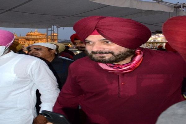 नवजोत सिंह सिद्धू का इस्तीफा स्वीकार कर सकता है कांग्रेस आलाकमान