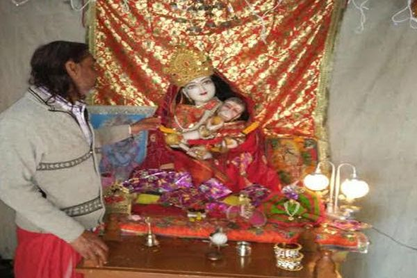 Silver ornaments theft from hanuman temple, police start the investigation - Sikar News in Hindi