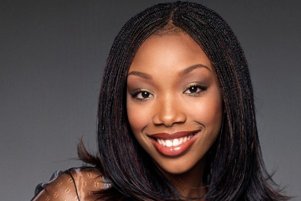 Brandy back with new music album after 8 years - Hollywood News in Hindi