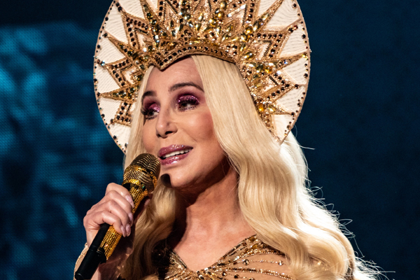 Cher says men her age were too intimidated to date her - Masala Gossips in Hindi