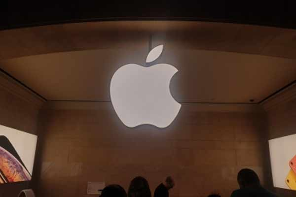 Siri reveals next Apple event is on April 20 - Gadgets News in Hindi