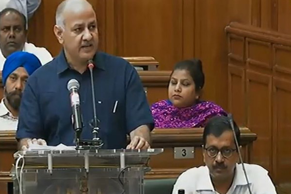 Delhi Govt Presents Rs 53000 Crore Budget For 2018-19 - Delhi News in Hindi