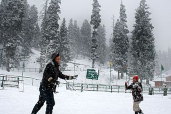 New Years eve revellers in Kashmir may miss snowfall - Srinagar News in Hindi