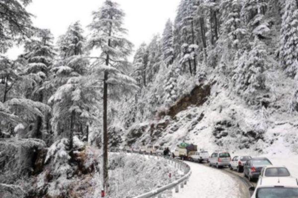 Heavy snowfall disrupts normal life in jammu and Kashmir - Srinagar News in Hindi