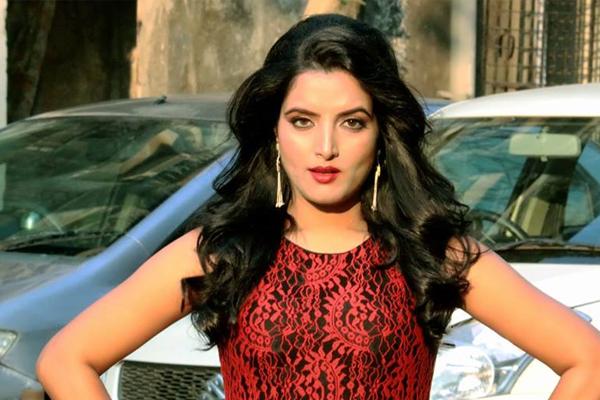 Sonalika will be seen in bold style in web series Love Guru - Bollywood News in Hindi