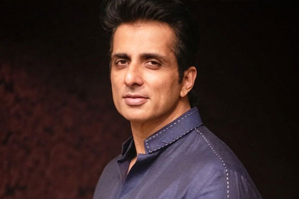 Sonu Sood thanks Telangana police for nabbing fraudster using his name - Bollywood News in Hindi