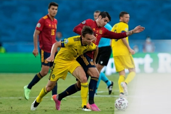 Spain held to goalless draw by Sweden - Football News in Hindi
