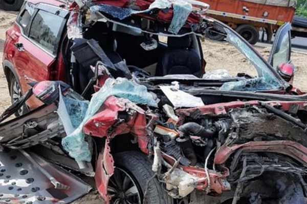 Speeding car rammed into trailer in Jaipur, three youths died - Jaipur News in Hindi