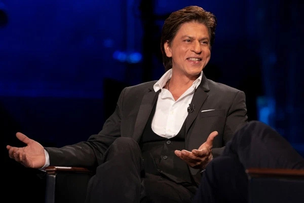 Shah Rukh Khan has roles in Brahmastra and Rocketry ! - Bollywood News in Hindi