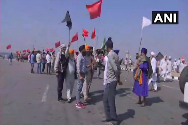 On the completion of 100 days, farmers started a demonstration at the black strip dam toll plaza - Delhi News in Hindi