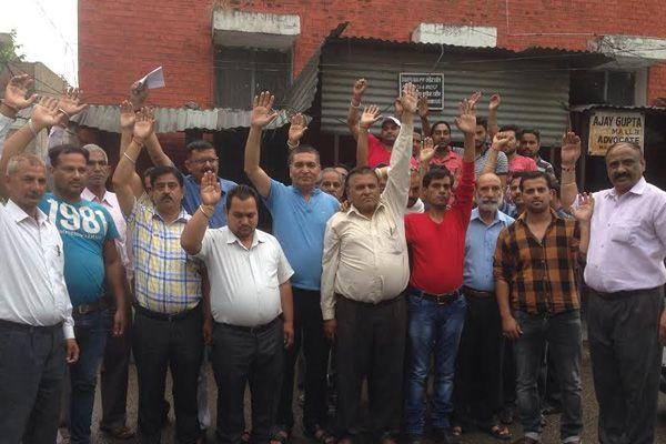 80 million loss to the treasury by the strike of Vasina Navy - Pathankot News in Hindi