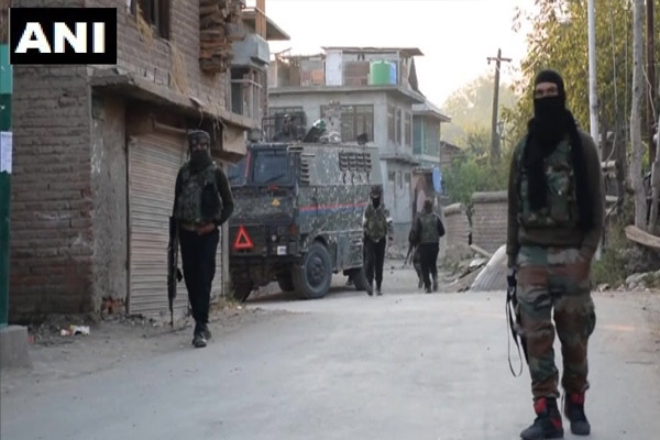 Jammu and Kashmir: Security forces killed 3 militants in Shopian, arms recovered - Srinagar News in Hindi