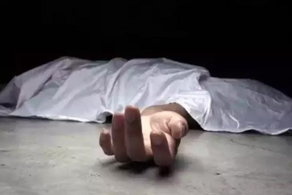UP : बेटे का सिर काटकर जान लेने के बाद मां ने खुदकुशी की