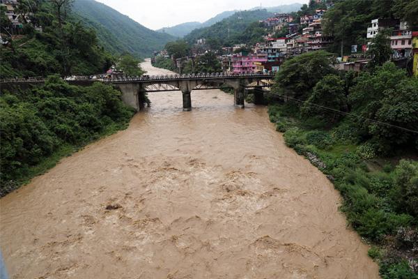 First flood of weather in Suketi Khadad - Mandi News in Hindi